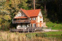 The Boathouse - Country Cottage Holiday